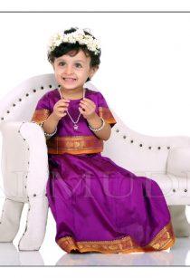 Baby girl wearing fresh flower crown during her photo shoot in Balmudra Studio Pune