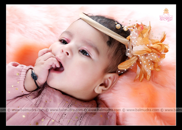 Very Cute Indian baby Smiling ,Photo Shoot done by , Shrikrishna Paranjpe , Balmudra Studio - Pune - 9822284771 - www.balmudra.com