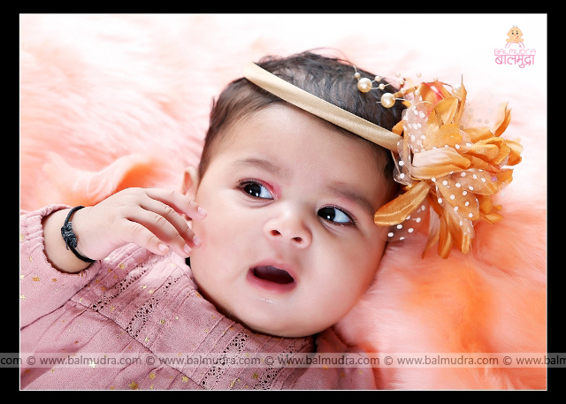 Very Cute Indian baby girl Smiling ,Photo Shoot done by , Shrikrishna Paranjpe , Balmudra Studio - Pune - 9822284771 - www.balmudra.com
