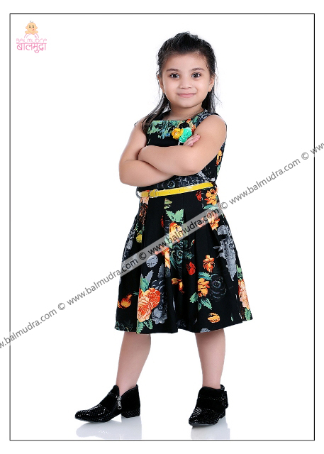 4 Years Cute Girl in Black Dress Professional Portfolio Photo Session in Balmudra Studio Pune