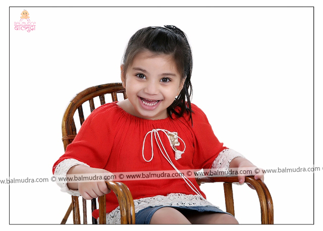 4 Years Indian Cute Girl Smiling Professional Portfolio Photo Session in Balmudra Studio Pune