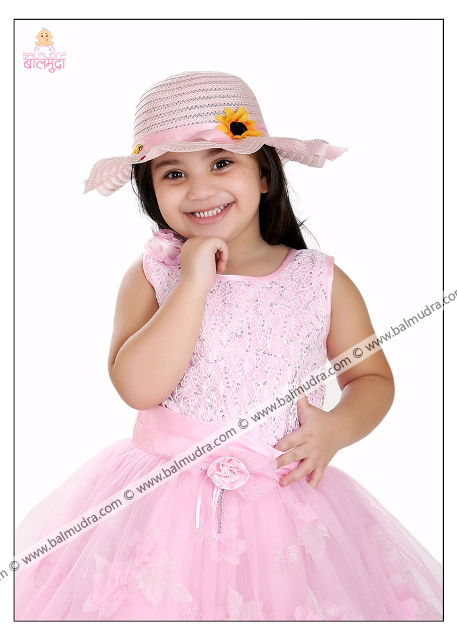 4 Years Old Indian Cute Girl in Pink Dress Professional Portfolio Photo Session in Balmudra Studio Pune