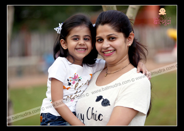 Cute and Beautiful Mother Daughter Smiling During the Balmudra Photo Shoot in Pune .jpg