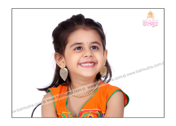 Photo of the Day !! Portfolio Image of four Years Girl in Balmudra Studio ,Pune.jpg