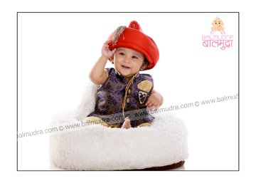 Indian Cute Baby Photo Shoot in Balmudra Studio Pune.jpg