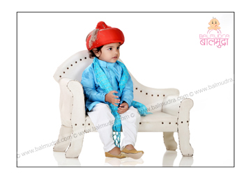 Baby posing for a Photo in balmudra studio