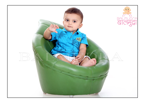 Best new born baby photographer in Pune - Shrikrishna Paranjpe - Balmudra Studio
